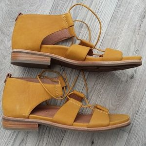 Gentle Souls by Kenneth Cole FINA yellow leather